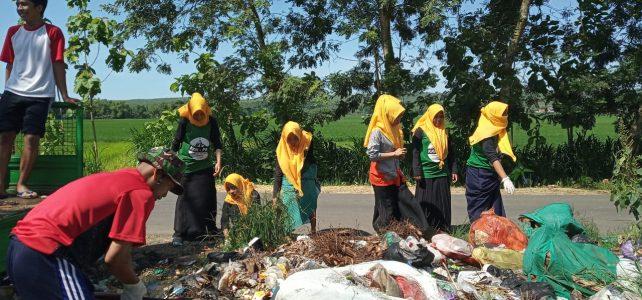Aksi Mahasiswa KKN Participatory Action Research dalam Pengelolaan Sampah